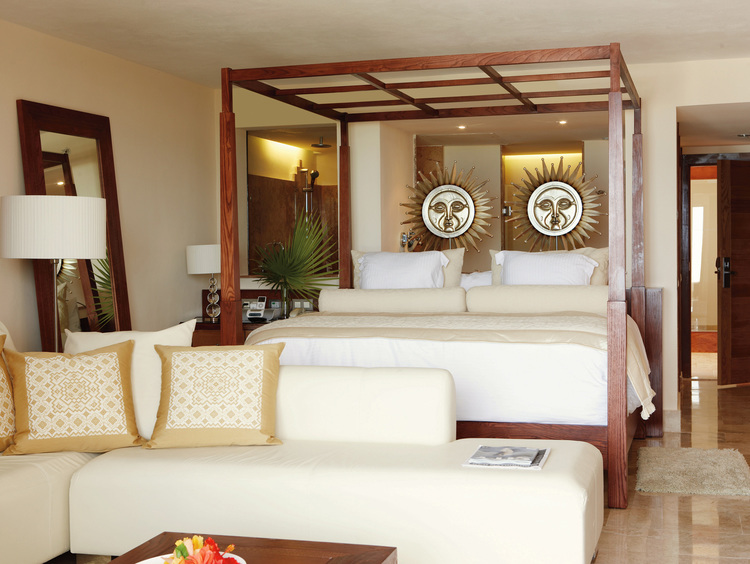 Romantic Cancun Resort Suites with a Jacuzzi